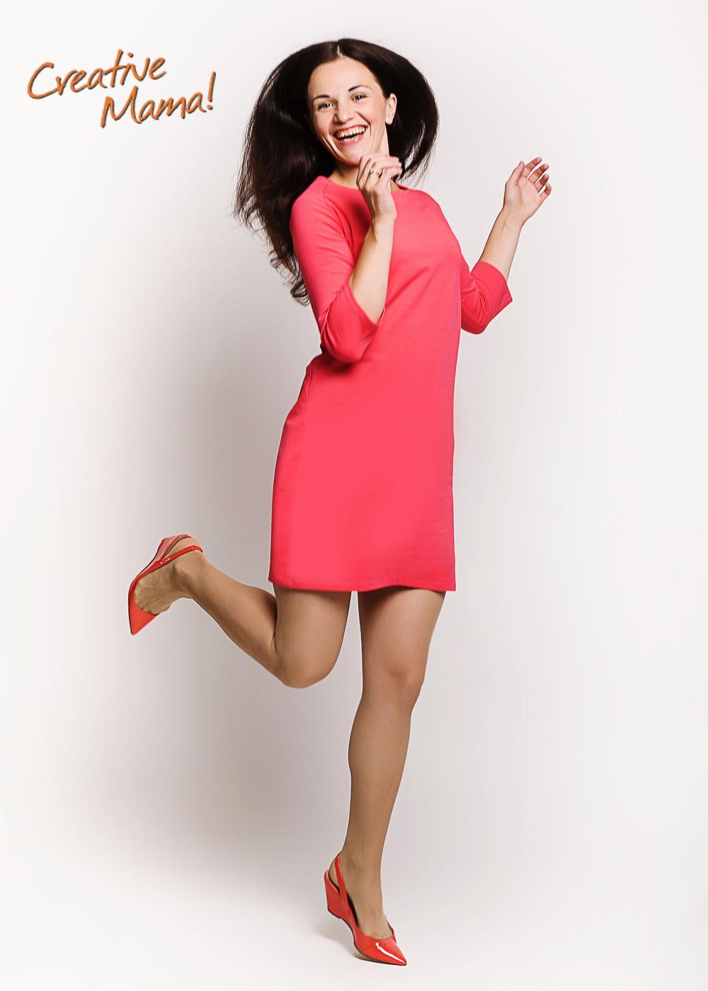 Фото: Короткое хлопковое платье для беременных и кормящих мам Ok