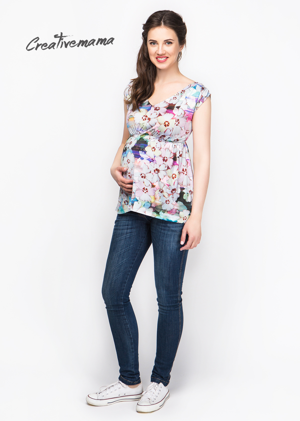 Фото: Модная футболка с цветами для беременных Blossom