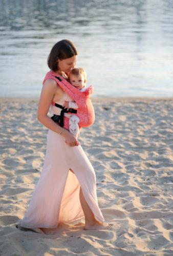 Фото: Эрго рюкзак Love & Carry DLIGHT из шарфовой ткани — Флора 1