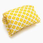 Фото: подушка для кормления Mini Yellow