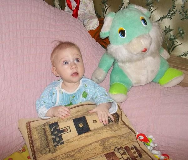 Маленький человечек от 9 до 12 месяцев