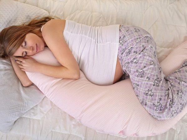 Как выбрать подушки для беременных